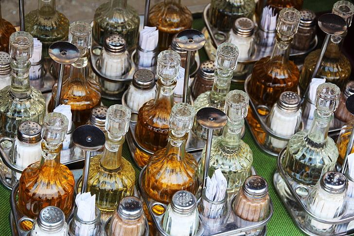 mise en place, zout, peper, Restaurant, zout shaker, olie, peper en zout