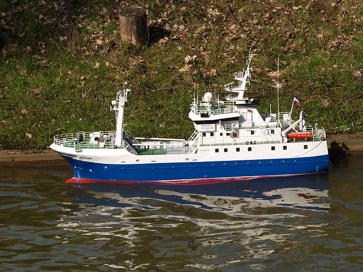 το μοντέλο βάρκα, ελέγχεται εξ αποστάσεως, μοντέλο RC, RC boat, μοντέλο πλοίου