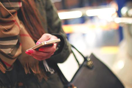 iPhone, mòbil, tecnologia, missatges de text, telèfon mòbil, telèfon intel ligent, missatgeria de text