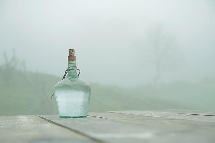 ampolla, taula, boira, taula de fusta, teranyina, calma, Soledad