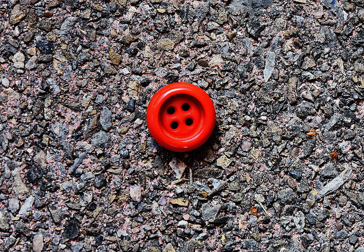 button, 4 holes, red, close
