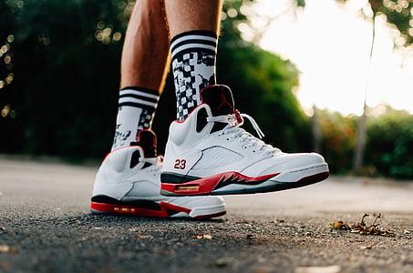 sitieni, čības, kurpes, Jordans, Nike, Jumpman, ietve