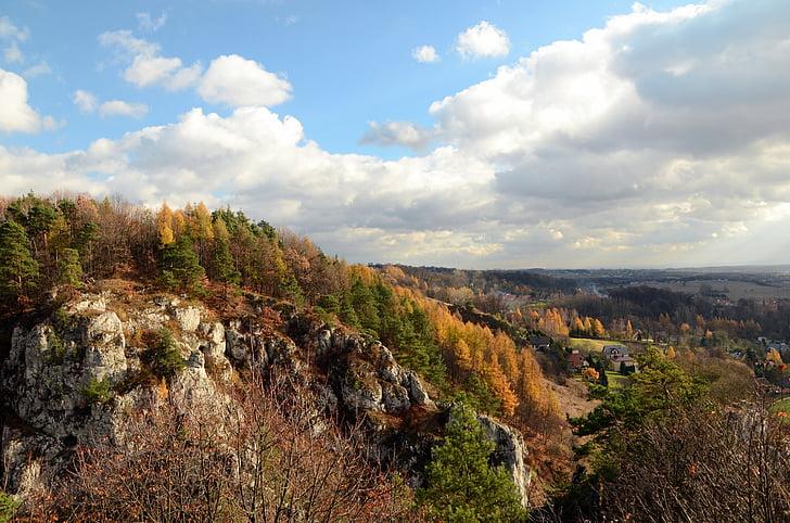 Bolechowice, kivid, kotkaste pesi rada, Poola, orud, lähedal Krakowis, Sügis, loodus