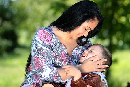 mama, sin, medvedek, ljubezen, objem, družina, ženske