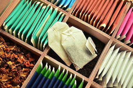 Tee, čajové vrecúška, čaje, nápoj, bylinný čaj, ovocný čaj, krabička čaju