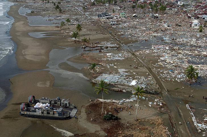 tsunami, arrencats, desastres naturals, aerolliscador, Tailàndia, 1992, destrucció