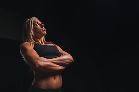 sportowiec, biceps, Blondynka, kulturysta, ciemne, ćwiczenia, dopasowanie