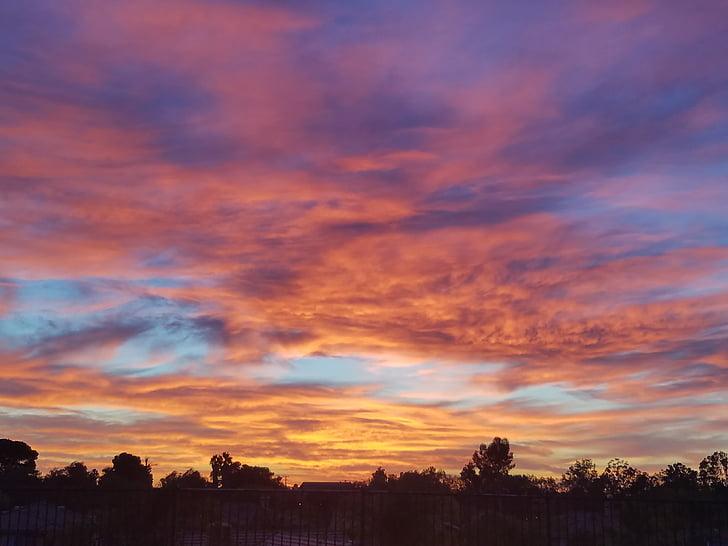 céu roxo, pôr do sol, céu brilhante, nuvens, silhueta, céu dramático, nuvem - céu
