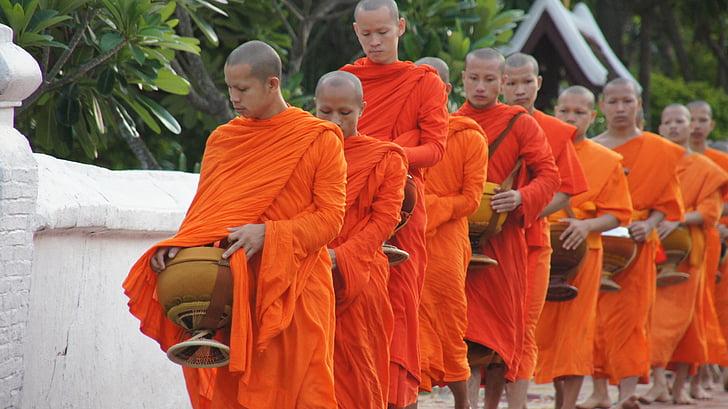 Laos, luang prabang, limosna, monjes