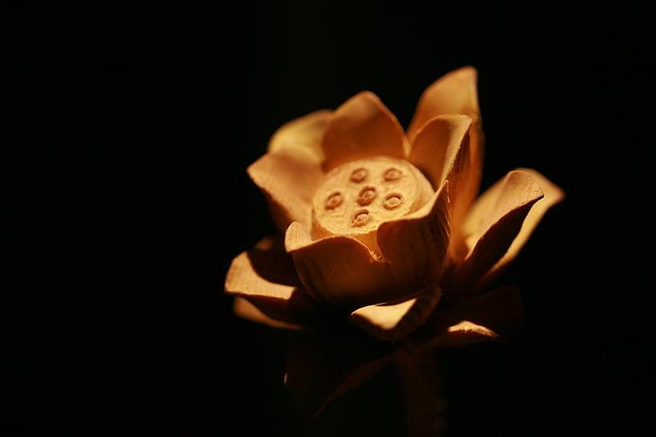 Lotus, talla de fusta, Zen