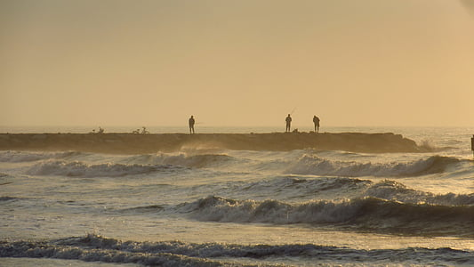angler, wave, spray, sea, back light, haze, morgenstimmung