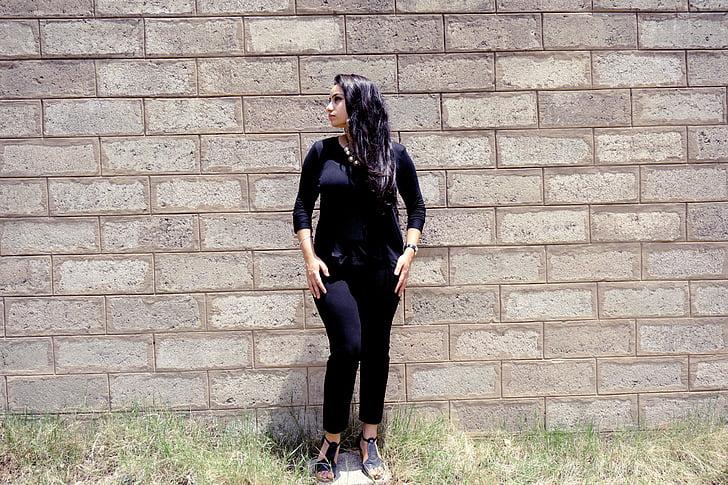 mode, séance photo, vêtements noirs, mur, posant, style, modèle