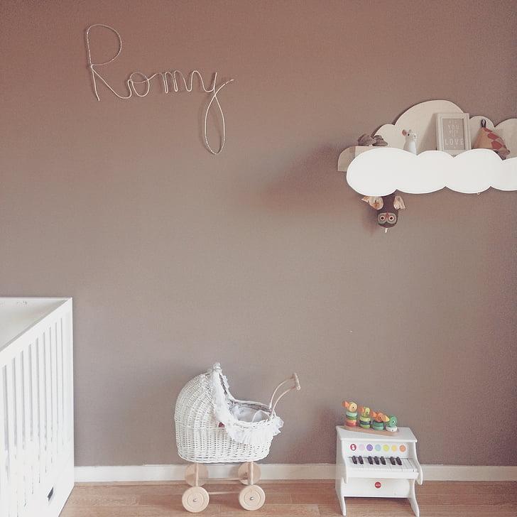 kambarys, vaikas, lova, fortepijonas, landeau, vežimėlis, interjero dekoravimas