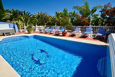 ved bassenget, svømmebasseng, svømming, ferie, fluktstoler, ferie, Spania