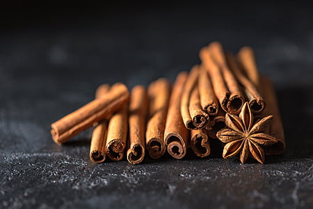 cinnamon, cinnamon sticks, anise, star anise, seeds, spices, odor