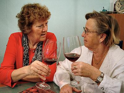 vin, dryck, vinglas, rött vin, alkohol, seniorer, äldre kvinnor