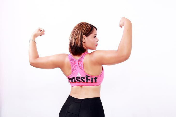 dones, fort, exercici, CrossFit, kirsy figueroa, Omar medina, braços