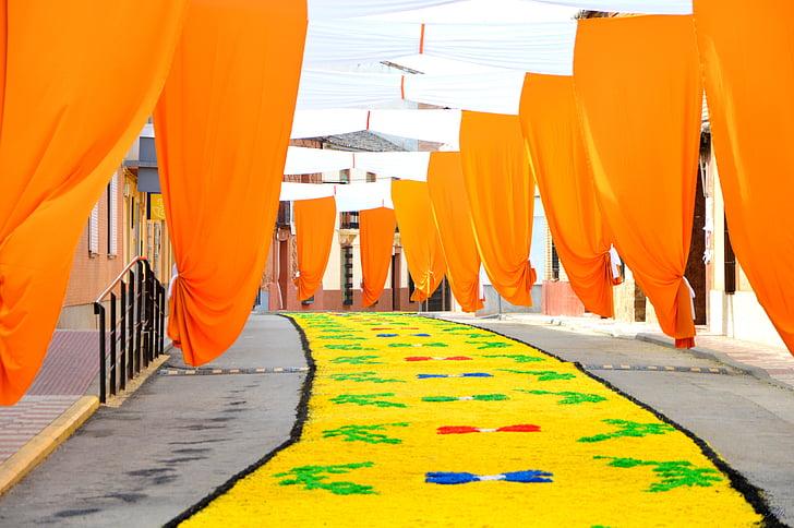 Corpus, Torrenueva, processó, flors, sòl, carrer