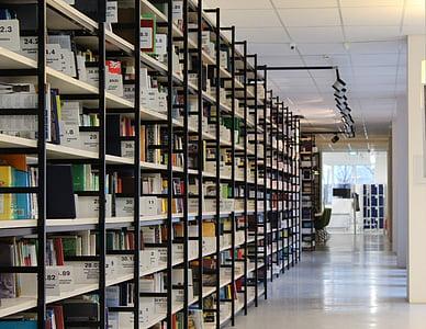 Biblioteca, llibres, prestatgeries, prestatges, lectura, cultura, corredor
