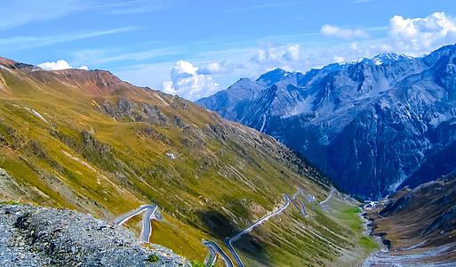 muntanyes, paisatge, passar la carretera