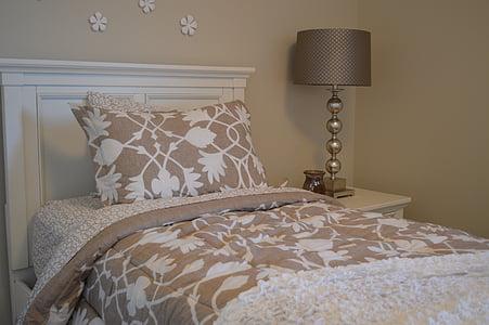bed, bedroom, lamp, headboard, bedding, pillow, house