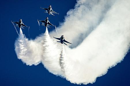 légi show, Thunderbirds, kialakulása, katonai, repülőgép, fúvókák, f-16