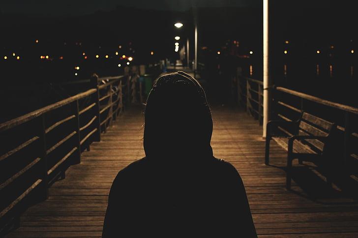 asmuo, su gobtuvu, striukė, siluetas, siluetai, galinį vaizdą, naktį