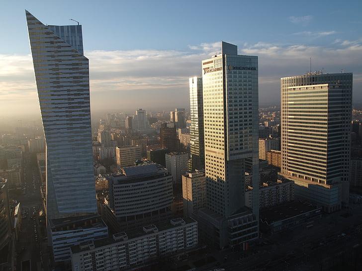 debesskrāpju, Varšava, uzņēmējdarbības