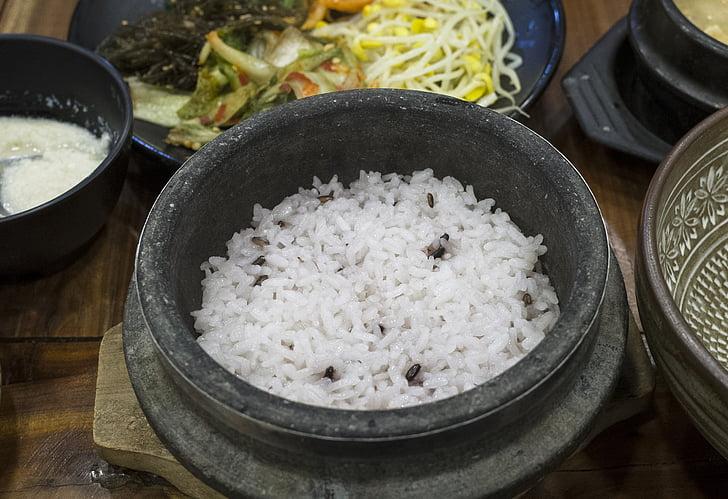 Corea del, àpat, arròs, olla de pedra, aliments i begudes, l'interior, no hi ha persones