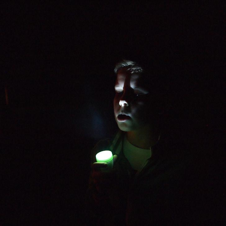 berniukas, tamsus, naktį, žibintuvėlis, kvėpavimas, Debesis, šviesos