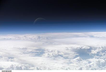 mitja lluna, blau, spaceview, nit, espai, terra, núvols