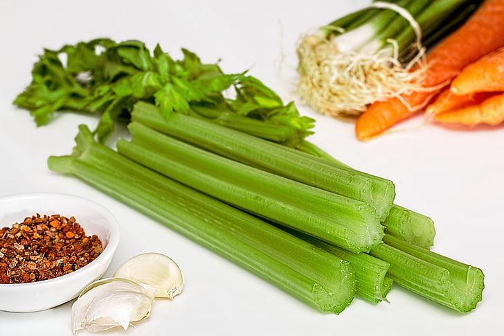 Zupa z zielonych, Seler, warzywa, jedzenie, zdrowe, diety, kuchnia