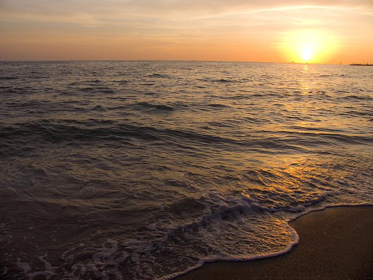 posta de sol, Mar, mar en calma