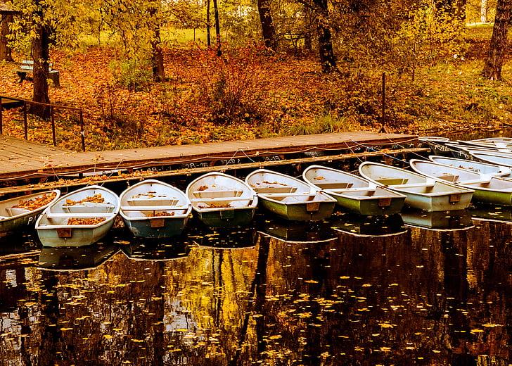 Brodovi i čamci - Page 36 Boat-water-reflection-leaf-preview