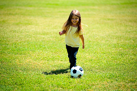 소녀, 재생, 축구, 공, 행복, 재미, 아이