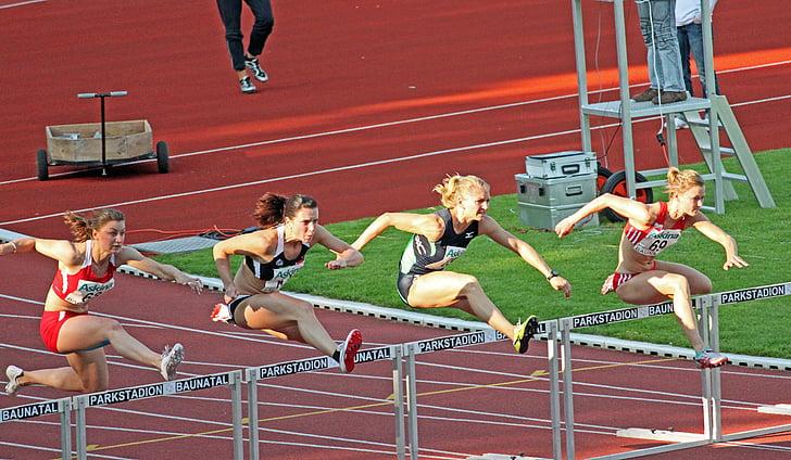 Atletismo, deporte, obstáculos, Atleta de cañizos de Sprint, mujeres