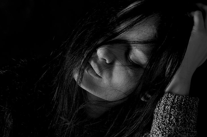 Foto Gratis Gadis Depresi Kesedihan Rambut Warna Hitam Gelap Hippopx
