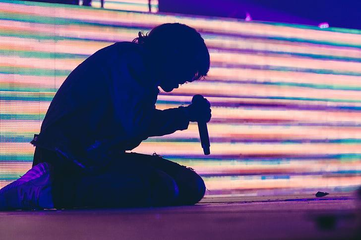 cilvēki, vīrietis, puisis, Dziedāšana, dziedātājs, naktī, posma