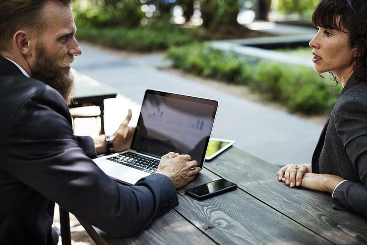 barba, pluja d'idees, negoci, empresaris, comunicació, connexió, amics