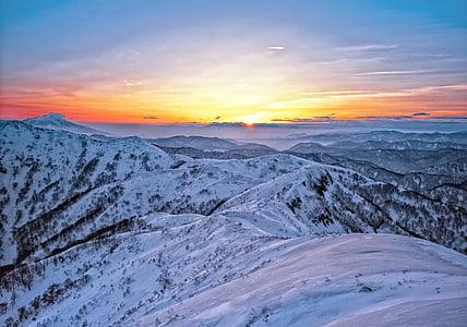 montanhas, neve, nascer do sol, Shirakami-sanchi, região de Património Mundial, Japão, pôr do sol