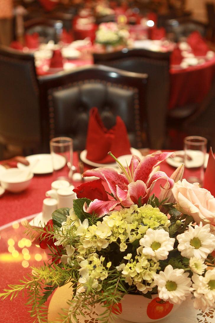 Украшение стола в ресторане фото