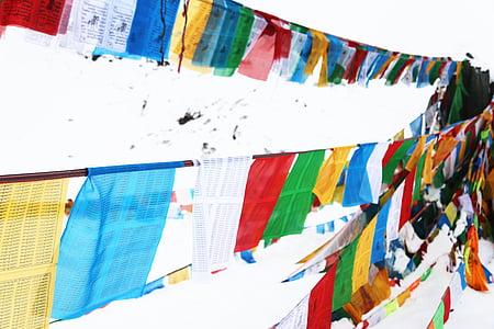 Banderes d'oració, Tibet, a la Collada de shergyla, color, neu