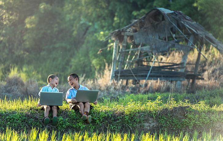 enfants, éclat de rire, étude de, ordinateur portable, Vietnamien, Thaïlande, Profitez de