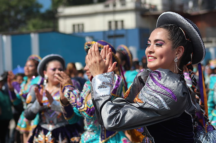 mujer peruana, Bailando saya, EN lima perú, kultúra, tánc, jelmez, divat