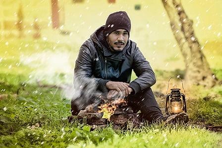 mand, pejs, kolde, udendørs, sne, natur, blå og grønne stjernehimmel