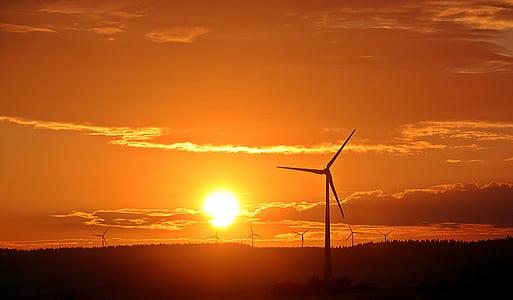 Alba, sol, molinet de vent, windräder, núvols, bosc, morgenrot