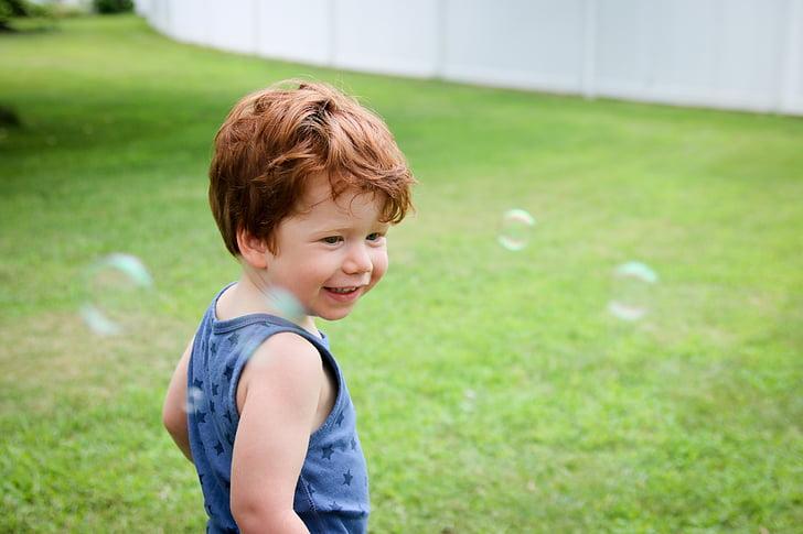 Chlapec, bubliny, dítě, Fajn, zábava, tráva, trávník