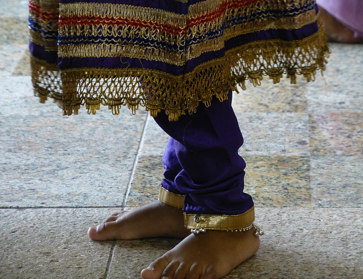 barefoot, female, ceremony, indonesia, tradition, national clothes, woman