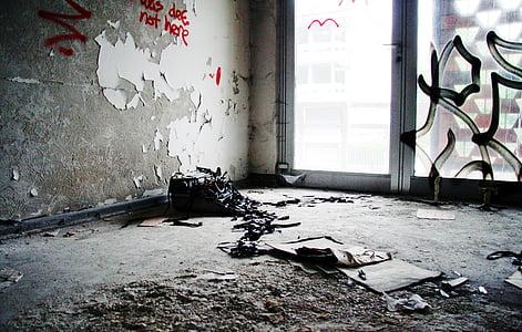 rongálás, graffiti, Lost hely, Föld, piszkos, papír, szemét