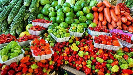 poljoprivrednici na tržištu, svježe, povrća, zrela, razne, trgovina, proizvesti